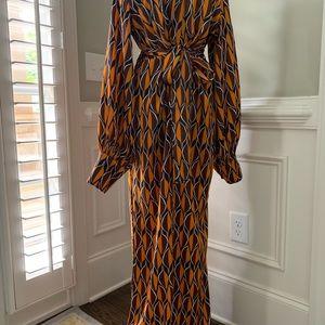 Dresses & Skirts - Gorgeous maxi dress